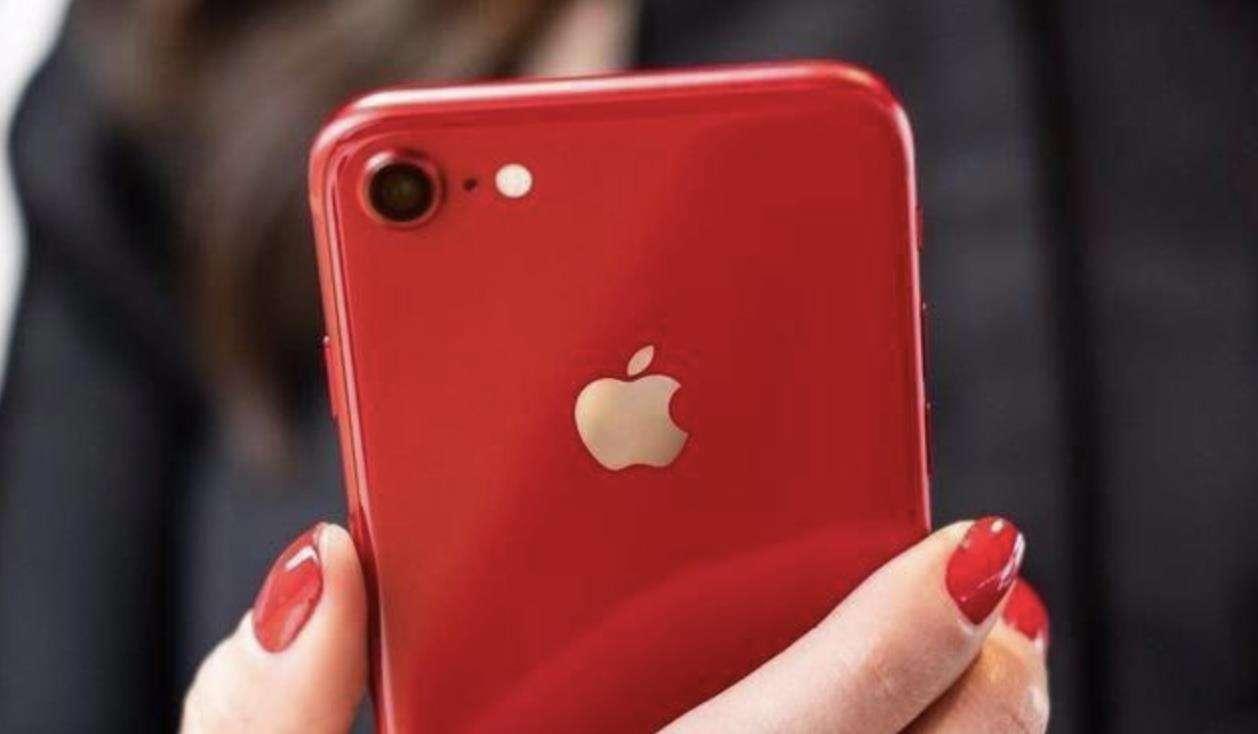 国产手机纷纷涨价,为何苹果逆势而为,大幅度降价销售?