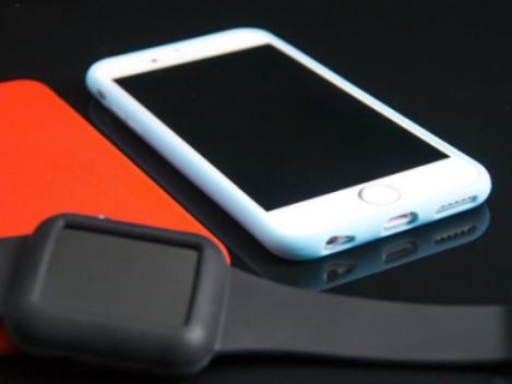 白色手机套手机