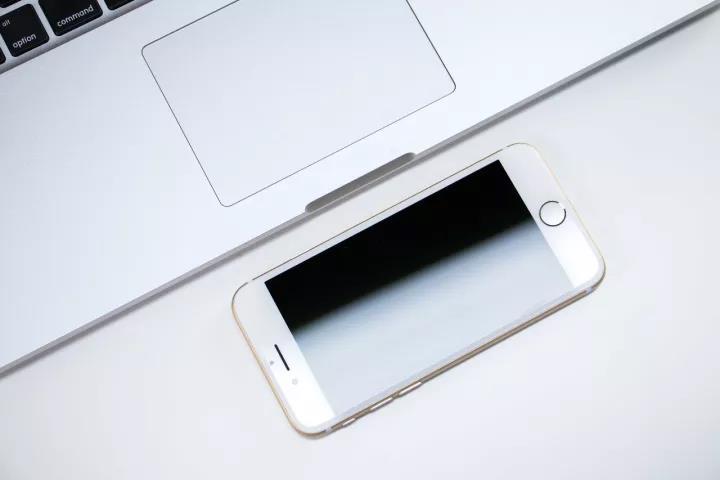 如何选购iPhone-闪电修手机维修