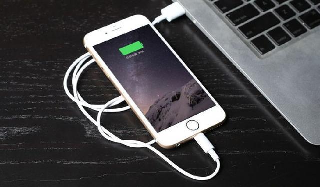 手机电池不耐用,手机待机续航短,闪电修手机维修