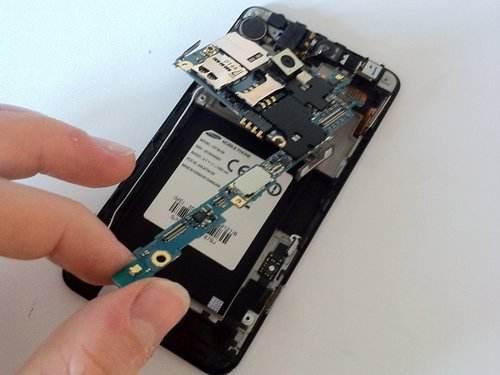 维修手机主板